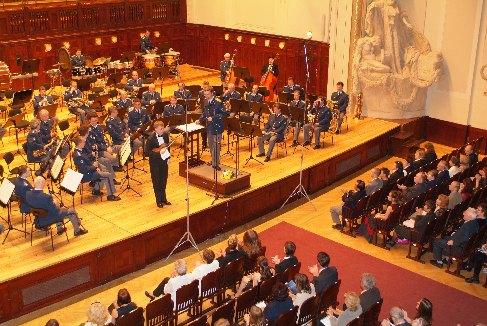 The ovations after the premiere of the Preludio e Andante by E. Lovreglio, 2005